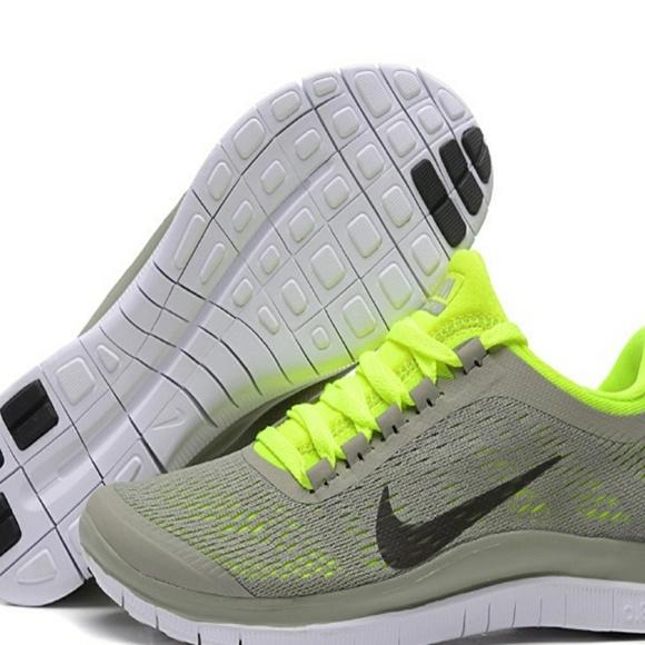 f06ab1c8fa7c ... FREE 3.0 V5 Women Sport Shoes. M 5a50181a9cc7ef83fc015796